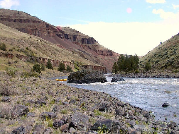 John_Day_River_Scenery_01